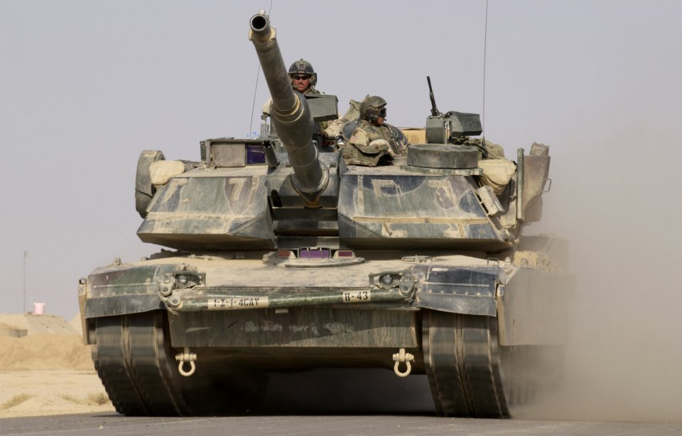 US to store heavy weapons in Poland